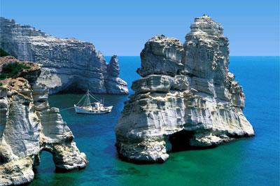Бухта Папафрагос на острове Милос