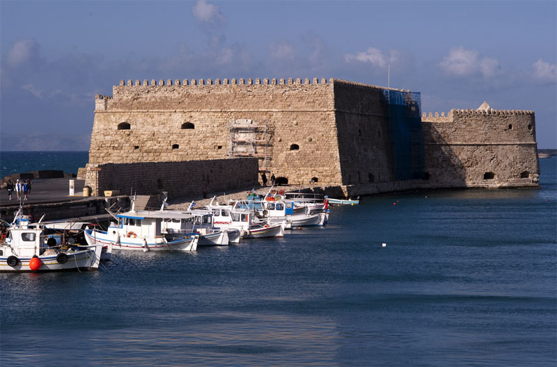 Крепость Кулес была полностью построена из привезенного морем камня
