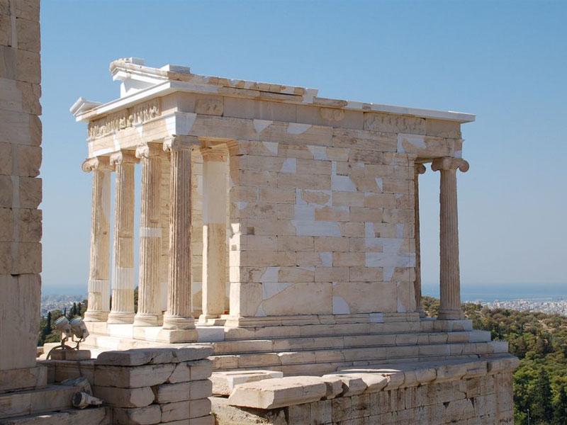 Храм Ники Аптерос предназначался для молитв за победу в Пелопоннесской войне