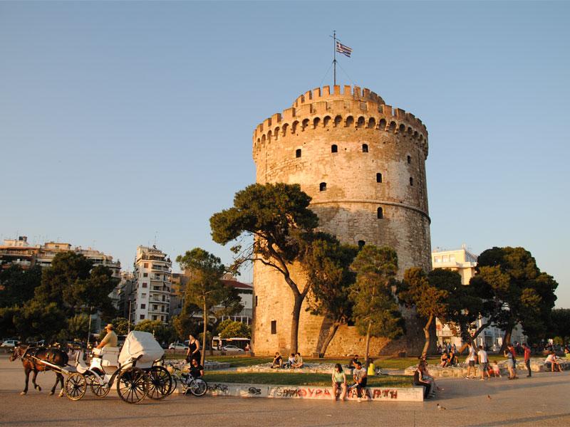 Белая башня - главная городская достопримечательность в Салониках