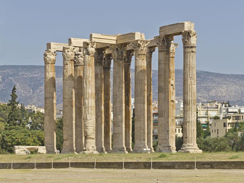 От храма Зевса Олимпийского до наших дней сохранилось только несколько колонн