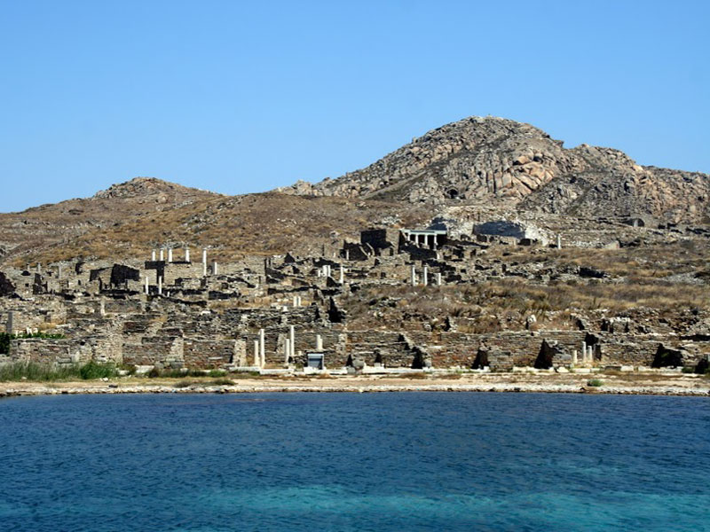 Большинство археологических памятников Делоса сконцентрировано на побережье