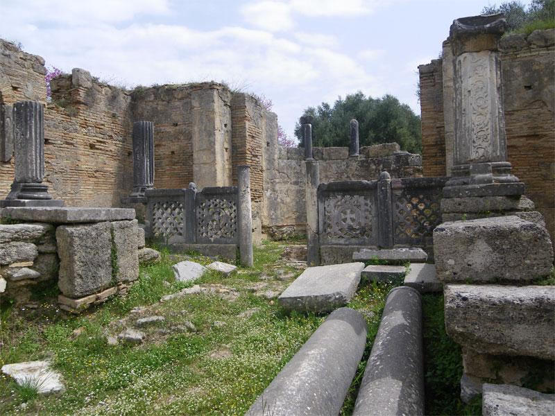 Древнегреческое святилище в Олимпии состоит из большого количества различных зданий